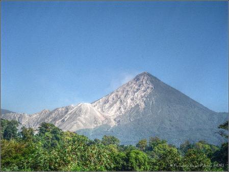 volcan-santiaguito.jpg