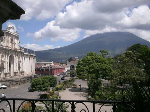 antigua-guatemalaj0pg.jpg
